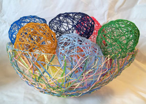 make-string-eggs-easter-main