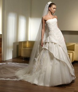 bridal-gowns-design-14