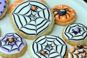 Spider-Web-Decorated-Cookies