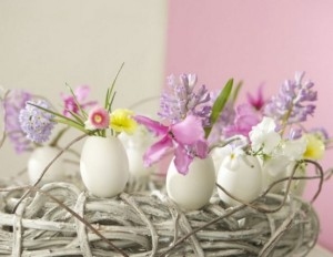 awesome-eggs-decoration-ideas-for-your-easter-table-30-554x429