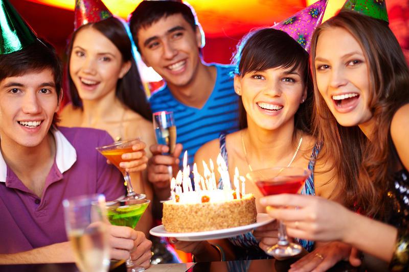 застольные конкурсы на день рождения взрослых прикольные