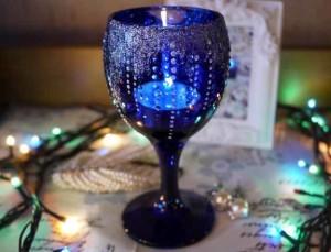 новогодний подсвечник из бокала