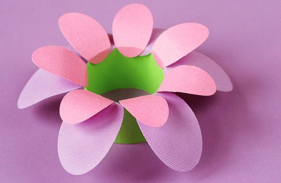 Подставка для яйца «Цветок»
