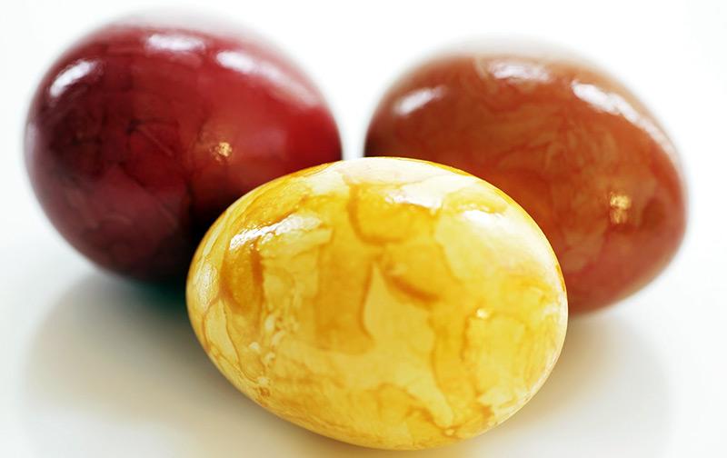 Обычай красить яйца и его история