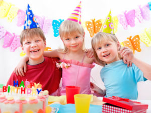 Детские конкурсы на День рождения в домашних условиях