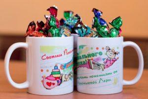Что подарить на День воспитателя детского сада