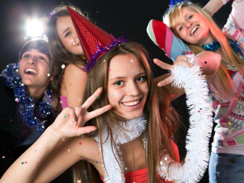 Конкурсы на Новый год в школе для старшеклассников