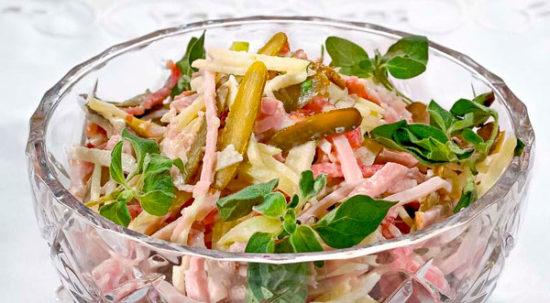Новогодний швейцарский салат