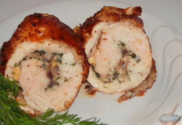 Рулеты из куриного филе с грибами