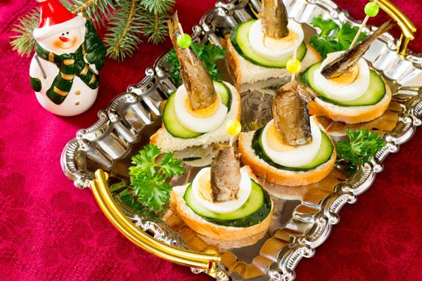 Вкусные и простые рецепты бутербродов на Новый год 2019 с фото