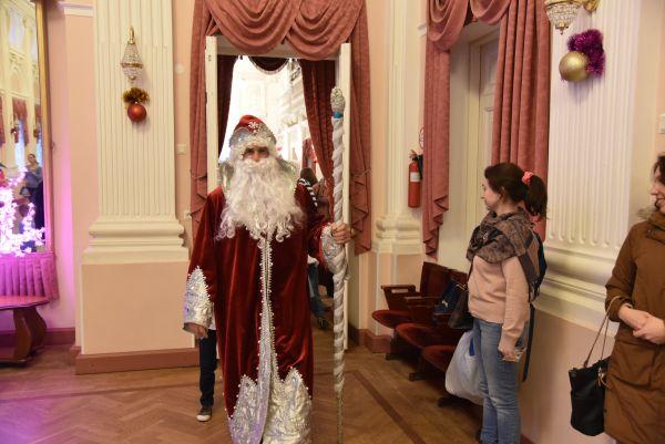 Новогодние елки для детей 2018-2019 в СПб: куда сходить