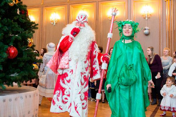 """""""Недетская елка: Дед Мороз роняет космос"""""""