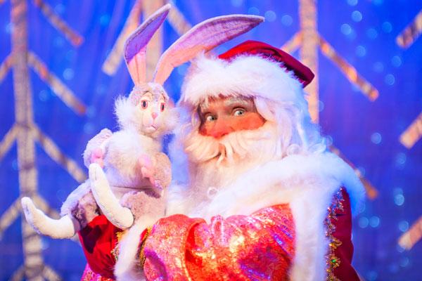 """Новогодняя ёлка с веселой игровой программой """"Сюрприз дедушке морозу"""""""