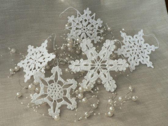 Нежные снежинки