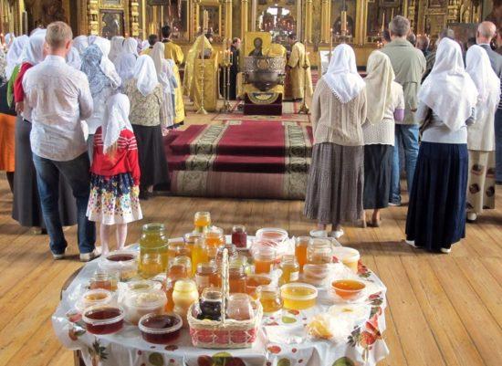 служба в храме