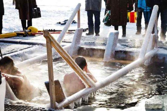 купание в воде