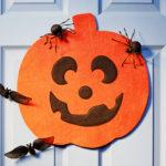 Как украсить дом на Хэллоуин своими руками: фото пошагово