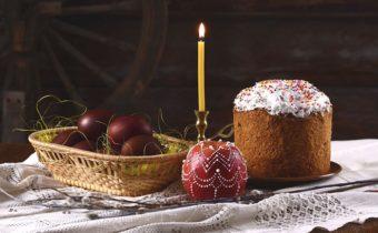 кулич и свеча
