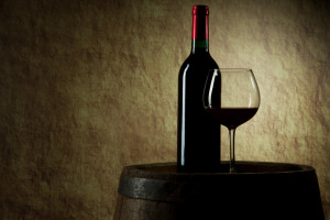 red_wine_and_barrel