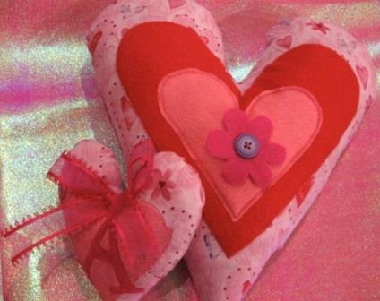Подушка с сердечками своими руками