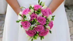 Wedding_Bouquet_of_roses_for_the_bride