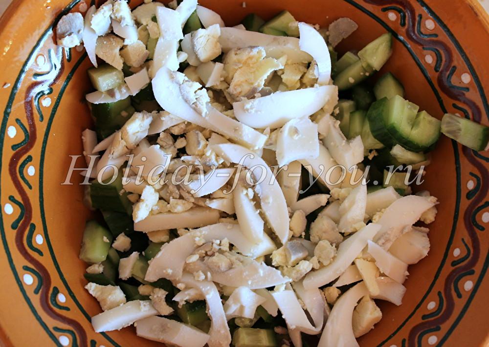 Рецепт салата с рыбными консервами и картофелем