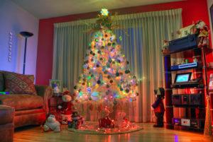 Как украсить комнату на Новый год своими руками