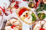 Миниатюра к статье Украшаем стол к Новому году: интересные идеи, фото