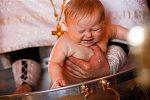 Миниатюра к статье Что нужно знать о крещении ребенка крестным